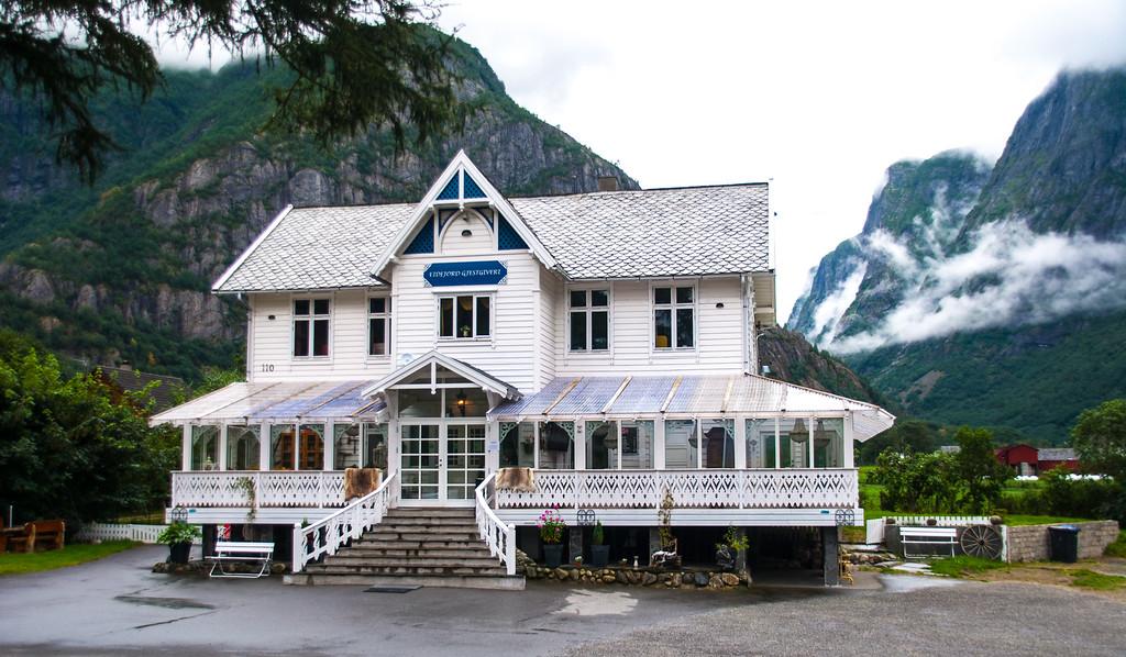 Eidfjord guest house