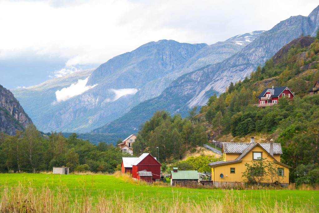 Ovre Eidfjord farm houses